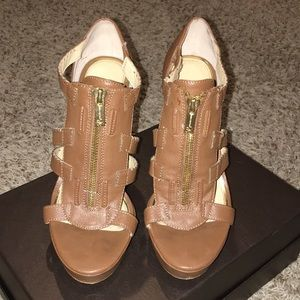 Brown leather Jessica Simpson open toe heels
